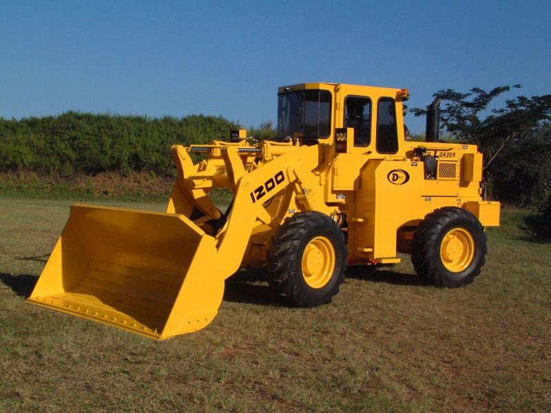 Dezzi Low-Profile Front End Loader
