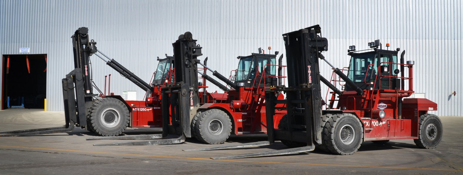 BLT WORLD Forklifts & Container Handlers